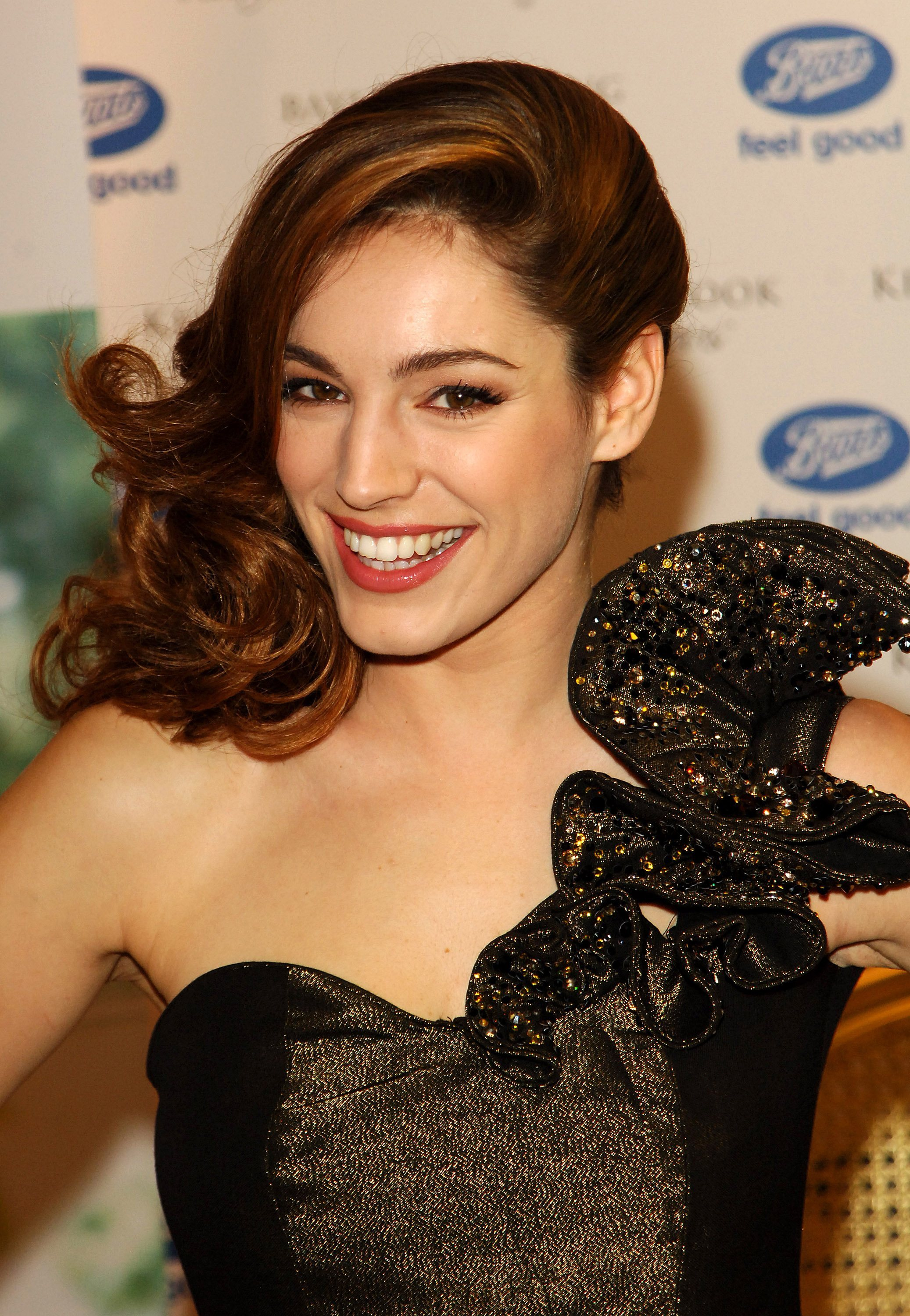 latest images of actresses kelly brook pictures